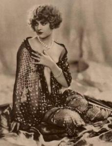 seated shawl