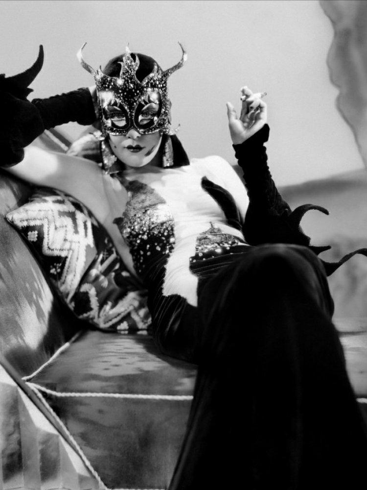 vintage-devil-costume-022036692071.jpg