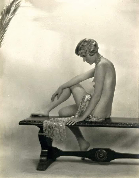 1920s nude blonde woman seated