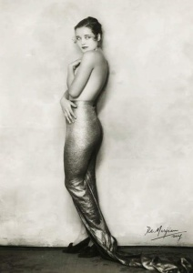 Flapper, side view in backless dress