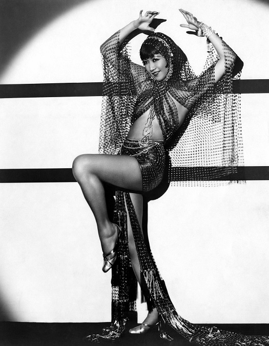 1920s actor Anna May Wong in burlesque costume